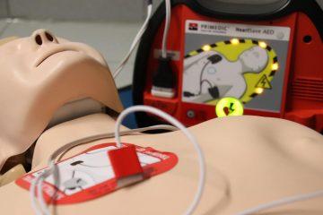 Defibrillatore DAE nei luoghi di lavoro