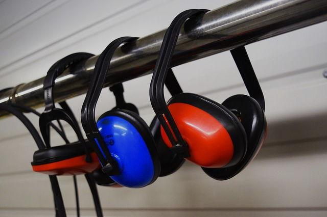 Valutazione del rischio rumore norme UNI 9432 UNI 9612
